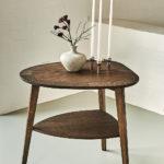 Heart Table - Lille sidebord med hylde, røget eg